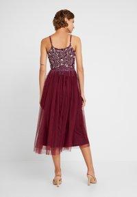 Lace & Beads - RIRI MIDI DRESS - Cocktail dress / Party dress - burgundy - 3