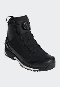 adidas Performance - TERREX CONRAX BOA CLIMAHEAT CLIMAPROOF - Hikingschuh - black - 2