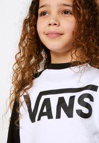 Vans - BY VANS CLASSIC RAGLAN BOYS - Longsleeve - white/black - 3
