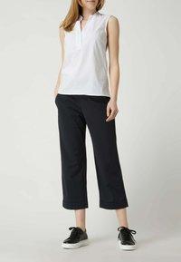 MAC Jeans - EASY - Trousers - schwarz - 1