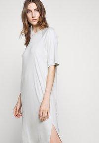 Filippa K - MIRA DRESS - Žerzejové šaty - faded aqua - 5