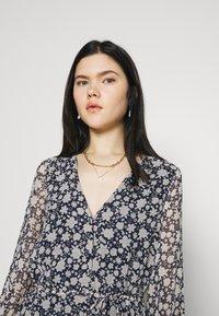 Vero Moda - CALF DRESS - Robe chemise - navy blazer - 3