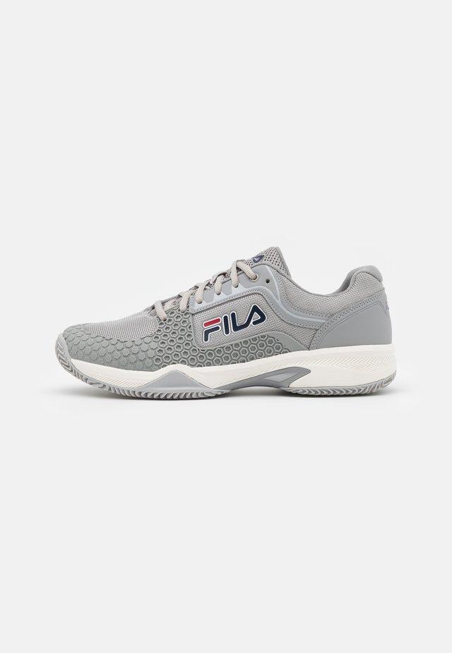 Tenisové boty na všechny povrchy - grey