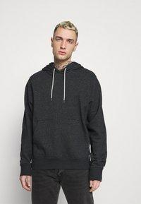Nike Sportswear - HOODIE - Bluza z kapturem - black/smoke grey - 0