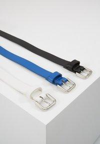 Even&Odd - 3 PACK - Belte - black/blue/white - 3