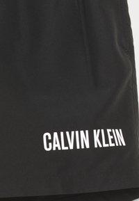 Calvin Klein Swimwear - MEDIUM DOUBLE WAISTBAND - Plavky - black - 2