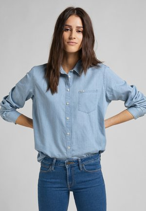 ONE POCKET - Button-down blouse - piscine