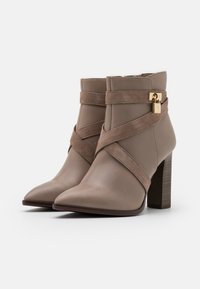 Tamaris Heart & Sole - BOOTS - High heeled ankle boots - taupe - 2