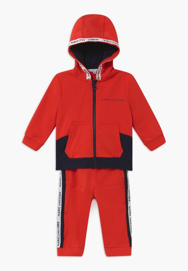 BABY - Trainingspak - red/blue navy