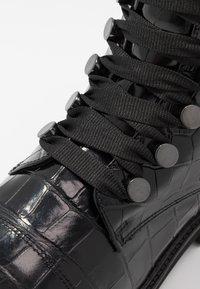 Gabor - Platform ankle boots - schwarz - 2
