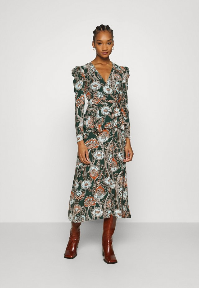 BELTED PEPLUM DRESS - Maxi-jurk - liberation green