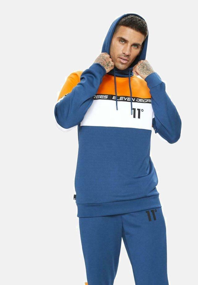 CUT AND SEW BLOCK POLY TRACK TOP - Jersey con capucha - blue/white/orange
