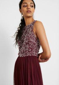 Lace & Beads Tall - PICASSO - Společenské šaty - burgundy - 4