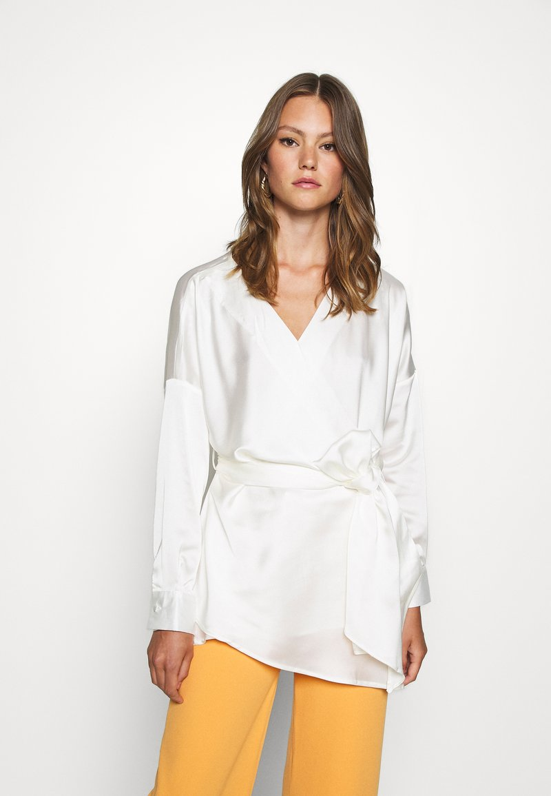 Missguided - PLUNGE TIE WAIST BLOUSE - Blouse - ivory
