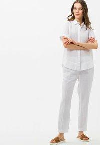 BRAX - STYLE VELIA - Button-down blouse - white - 1