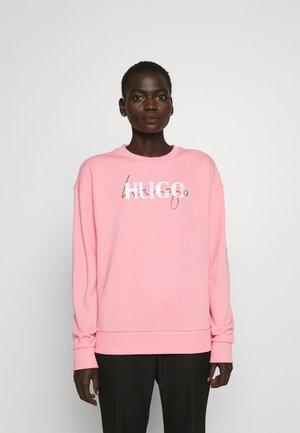 NAKIRA - Sweatshirt - bright pink
