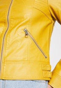 Vero Moda - VMRIAMARTA  - Faux leather jacket - amber gold - 6