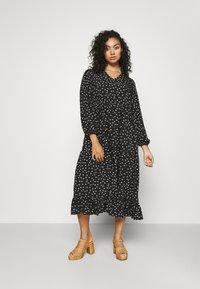 Glamorous Curve - TIERED DRESS - Denní šaty - black tulip - 0