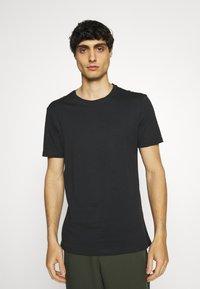 Pier One - 7 PACK - T-shirts basic - white/black/grey - 4