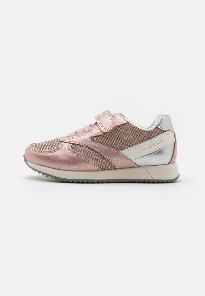 Geox - JENSEA GIRL - Sneakers basse - rose/white