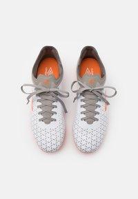 Umbro - VELOCITA V PREMIER FG - Moulded stud football boots - white/carrot/frost gray - 3