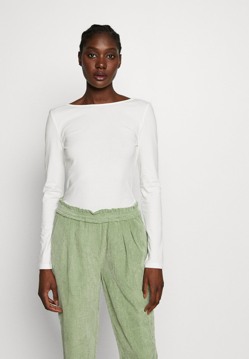 Zign - LONG SLEEVE WITH SCOOP BACK - Topper langermet - cloud dancer
