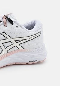 ASICS - GEL-EXCITE 7 THE NEW STRONG - Neutral running shoes - white/black - 5