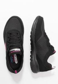 Skechers Sport - FLEX APPEAL 3.0 - Zapatillas - black/hot pink - 3