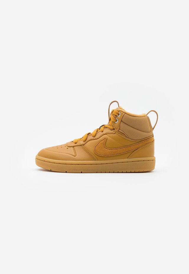 COURT BOROUGH MID 2 - Sneakersy wysokie - wheat/medium brown