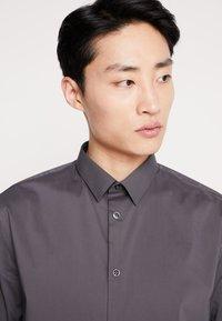 CELIO - MASANTAL SLIM FIT - Formal shirt - charcoal - 3