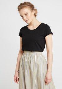 AMOV - ALMA BASIC TEE - T-shirt basique - black - 0