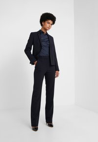 HUGO - THE REGULAR TROUSERS - Tygbyxor - navy - 1