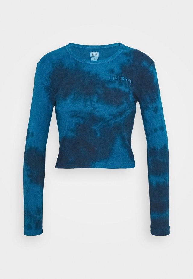 TIE DYE BABY TEE - Camiseta de manga larga - blue