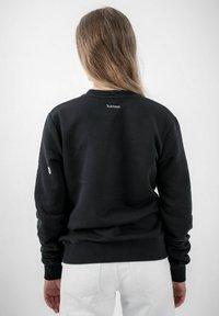 PLUSVIERNEUN - BERLIN - Sweatshirt - black - 5