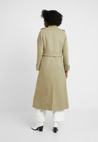IVY & OAK - Trenchcoat - frosty sage - 2