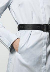 KARL LAGERFELD - CHINTZ SHIRT DRESS - Shirt dress - artic ice - 4