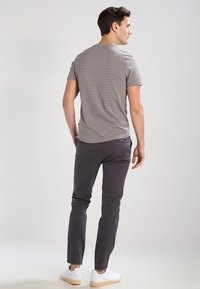 Jack & Jones - JJIMARCO JJENZO - Kangashousut - dark grey - 2