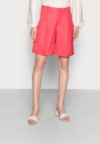 Résumé - ELODIE - Shorts - red - 0