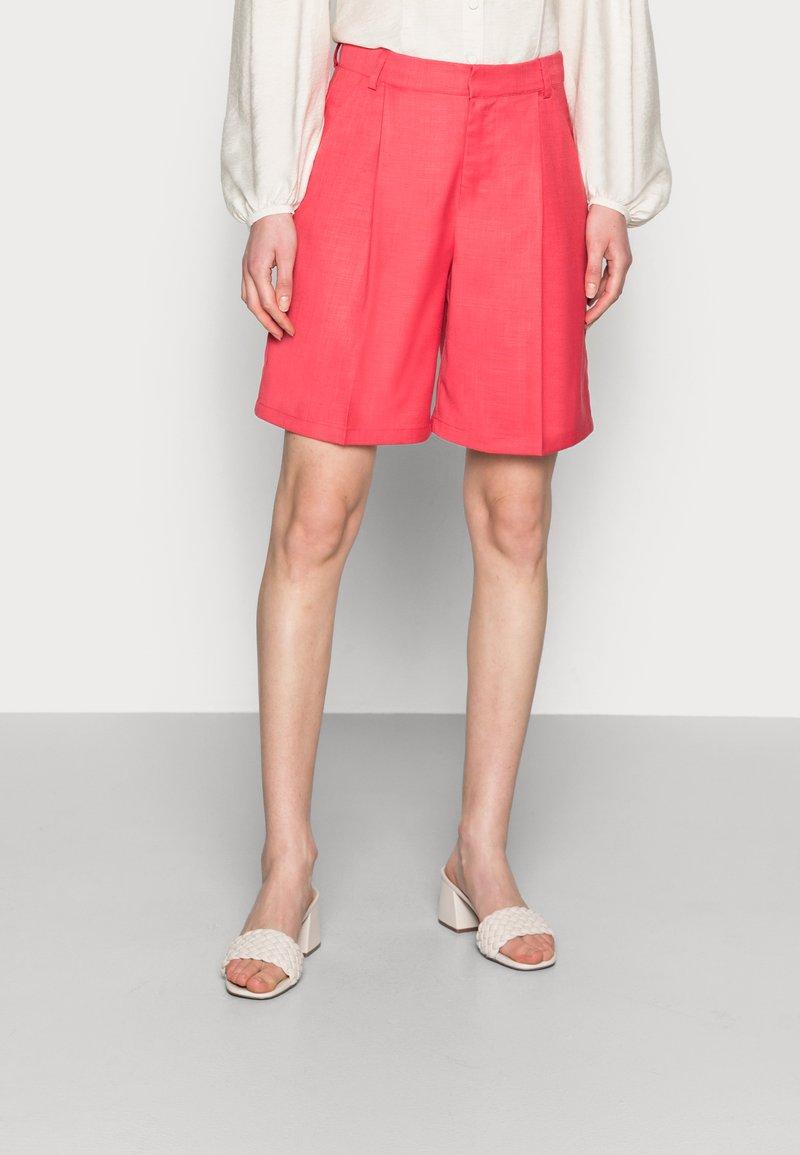 Résumé - ELODIE - Shorts - red