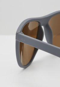 Jack & Jones - JACMAVERICK SUNGLASSES - Sunglasses - grey/blue - 2