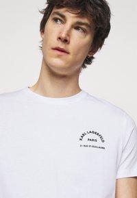 KARL LAGERFELD - CREWNECK - T-shirt con stampa - white - 4