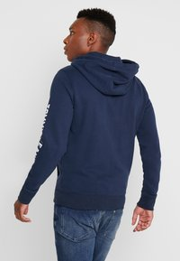 Tommy Jeans - SCRIPT ZIP THROUGH - Sudadera con cremallera - black iris - 2