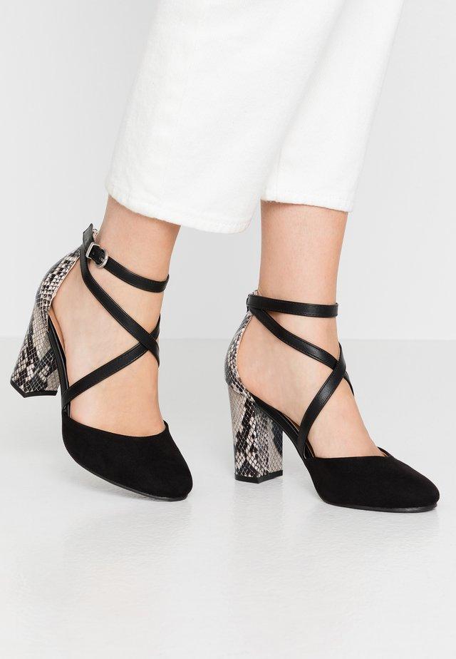 CURTIS - High heels - black/white
