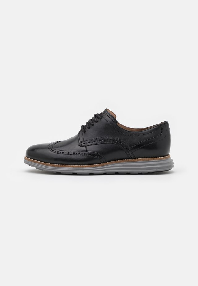 ORIGINALGRAND WINGTIP OXFORD - Chaussures à lacets - black/ironstone
