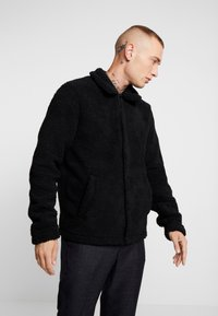 Only & Sons - ONSTODD COACH JACKET - Korte jassen - black - 0