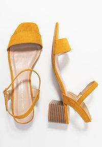 Dorothy Perkins - BRIGHT SQUARE TOE BLOCK HEEL - Sandaler - mustard - 3