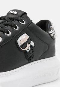 KARL LAGERFELD - KAPRI IKONIC STUD TAB - Sneaker low - black - 6