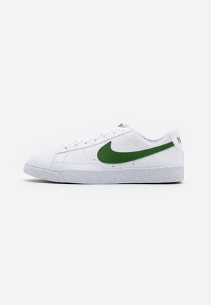 BLAZER - Sneakers - white/forest green