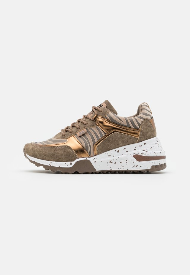 Sneakers basse - bronze