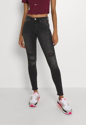 ONLCARMEN - Jeans Skinny Fit - black denim